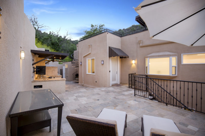 3500-Dixie-Canyon-Pl-45