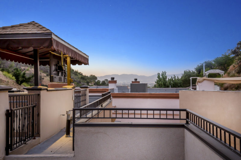 3500-Dixie-Canyon-Pl-49