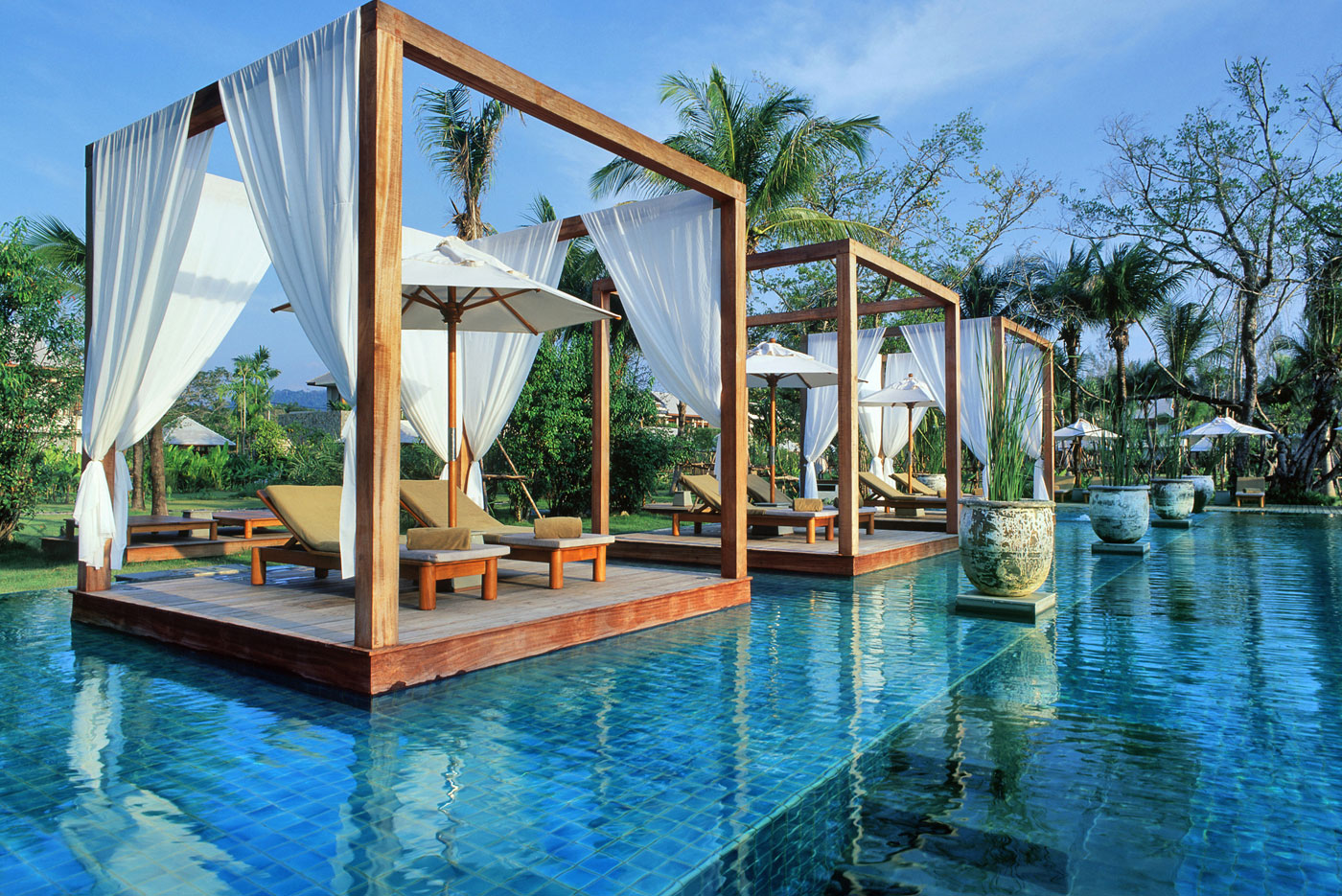 Top 10 Hotel Pools in the World