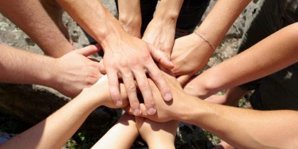 hands-volunteer-722x483