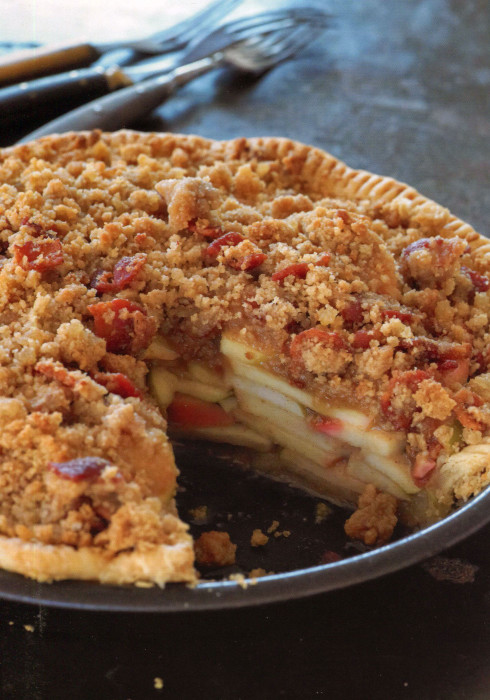 wc-Apple-Pie-with-Bacon-Streusel