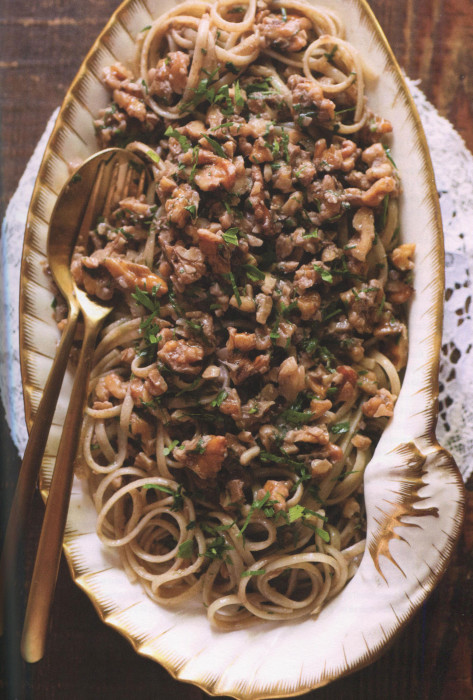 wc-Christmas-Eve-Spaghetti-With-Walnuts-and-Anchovies