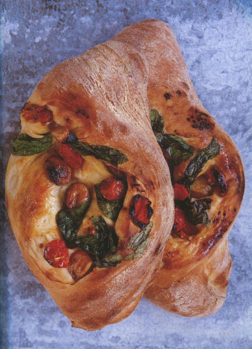 wc-tomato-garlic-and-basil-bread