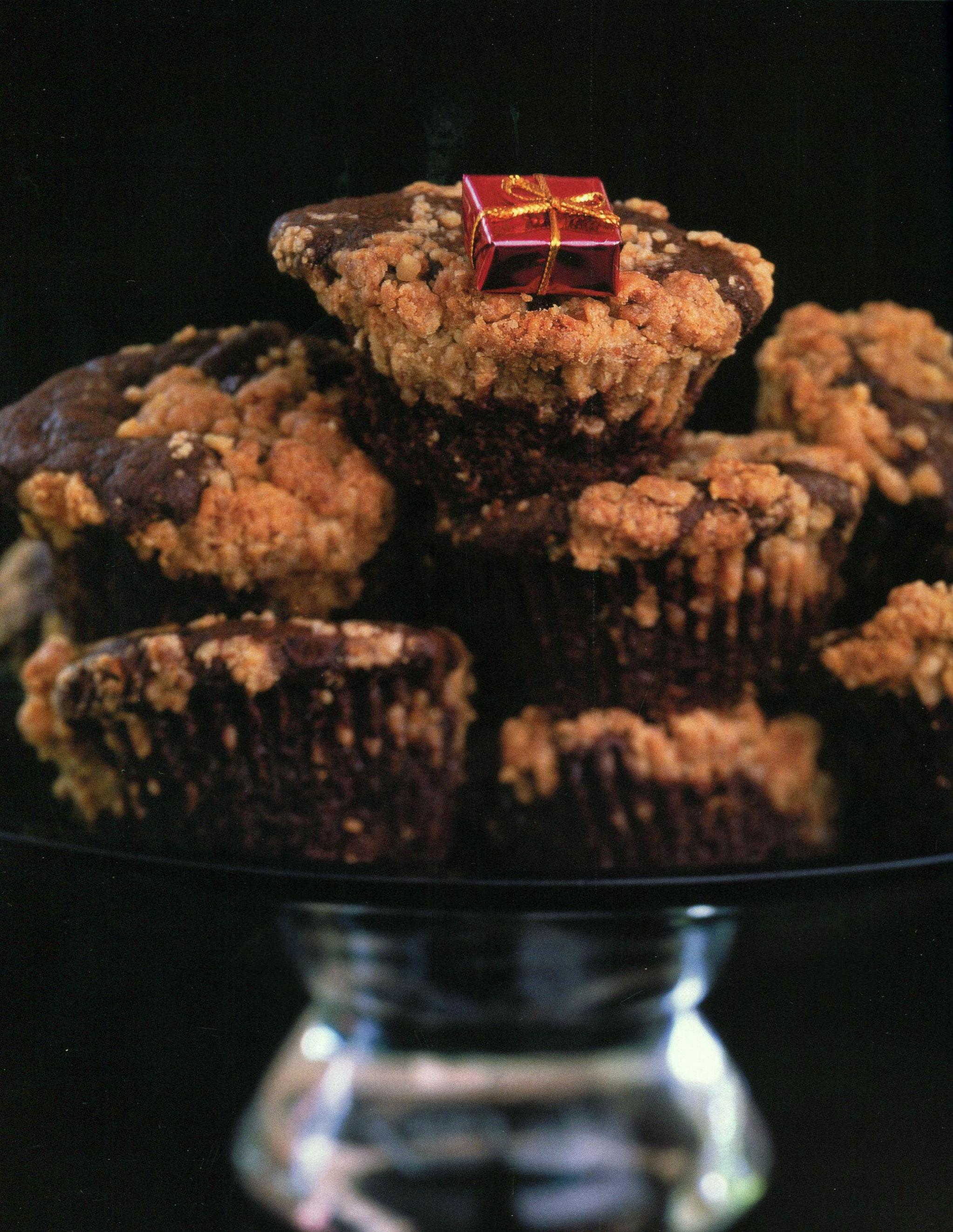 TBT Recipe: Christmas Breakfast Chocolate Sour cream Crumb Cakes