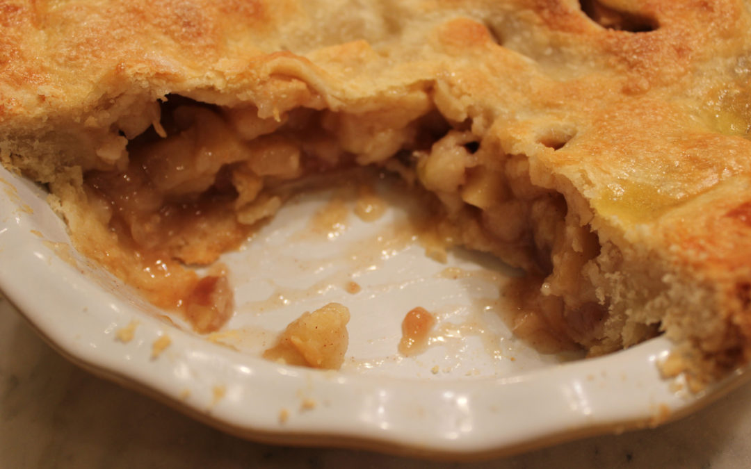Crafting the Perfect Apple Pie with Vanilla