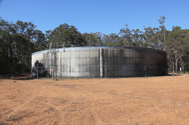 MLC Dr Steve Thomas wants an empty 4 million litre watertank to be used for fire and emergency services.Picture: Augusta-Margaret River Times, Therese Colman
