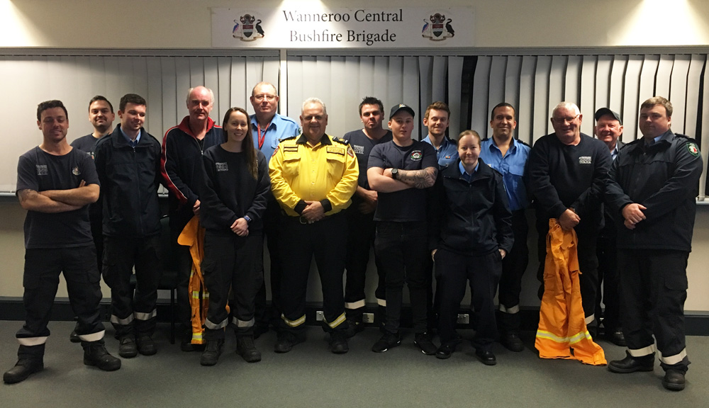 AVBFB President Dave Gossage with some of the City of Wanneroo Volunteer Bush Fire Brigade members at the briefing on Thursday 16 August 2018