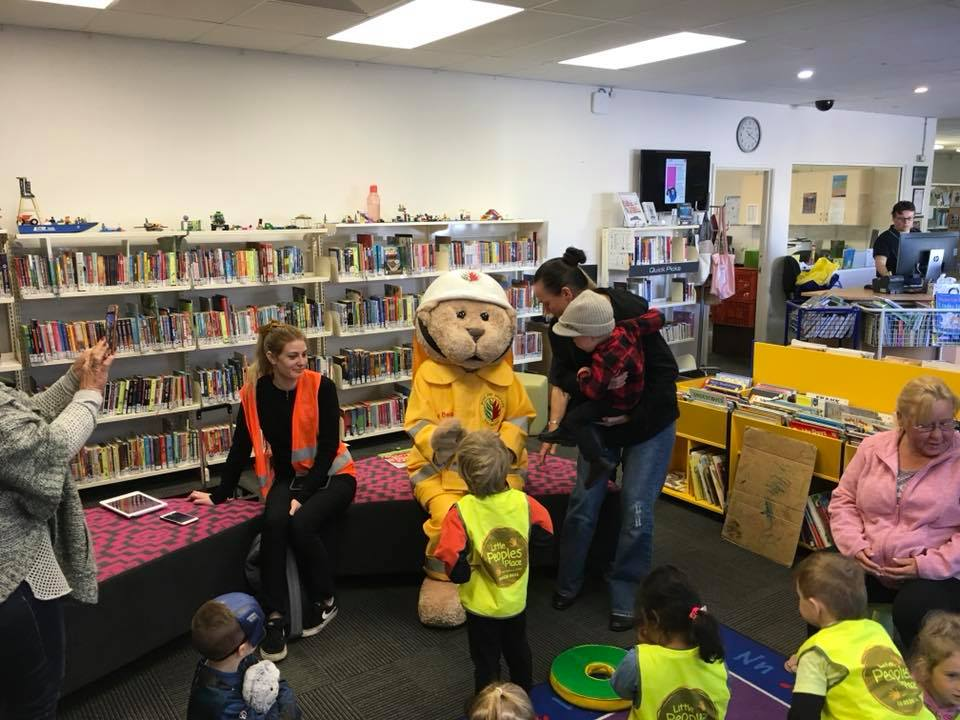 Bushy Bear at the Mundijong Public Library for Book Week 2019