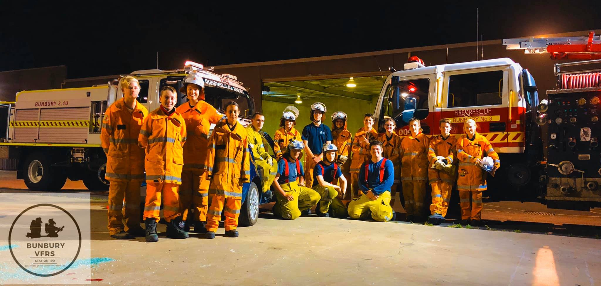 Bunbury VFRS share important knowledge with Bush Fire Cadets
