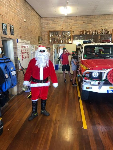 Roelands Volunteer Bush Fire Brigade and Brunswick VFRS combined Christmas run 2019
