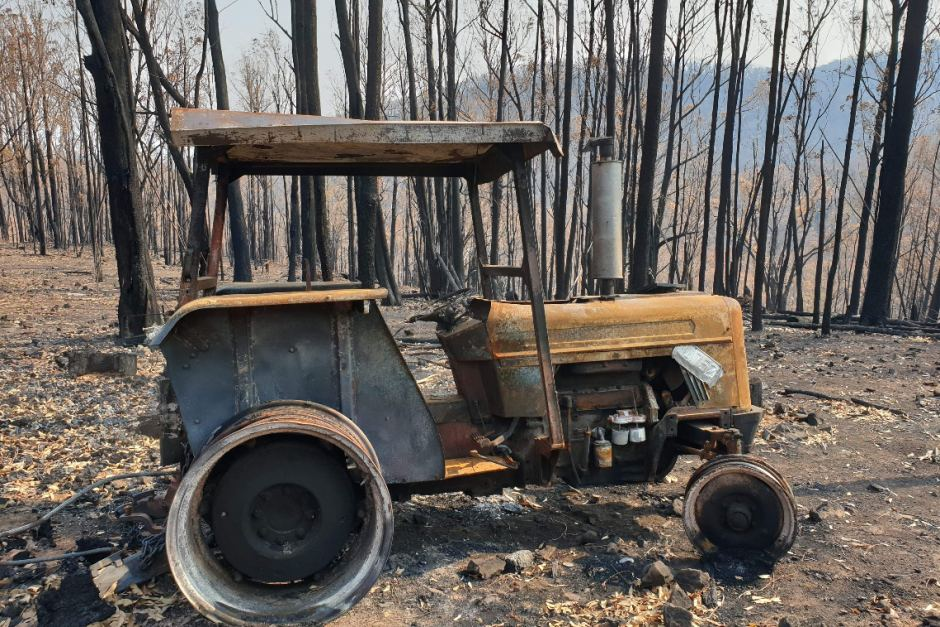 PHOTO: Steve Baily's friend is trying to raise money to replace equipment the rural fire fighter lost in a fire. (Gofundme.com)