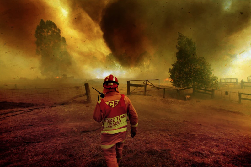 Victoria's Country Fire Authority has shed more than 5000 volunteers in eight years. CREDIT:SIMON SCHLUTER