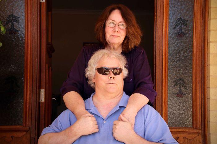 PHOTO: Tom and Lynn Armington lost their home in the 2014 Perth Hills bushfire. (ABC News: Rhiannon Shine)