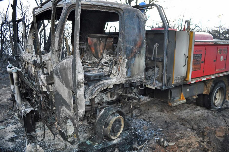 PHOTO: The burnt out remains of the truck in which two firefighters, including Wendy Bearfoot, were trapped in October 2012. (Supplied: WA Department of Environment and Conservation)