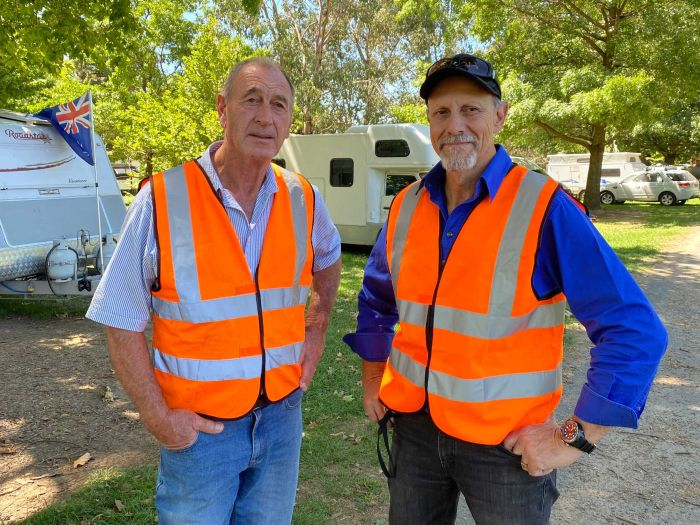 Garry Wilson and Rob Golgini are leading the call for more volunteers. (ABC Rural: Cara Jeffery)