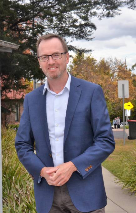 Glen Innes Examiner: Close the RFS? Greens politician says fire services need reform