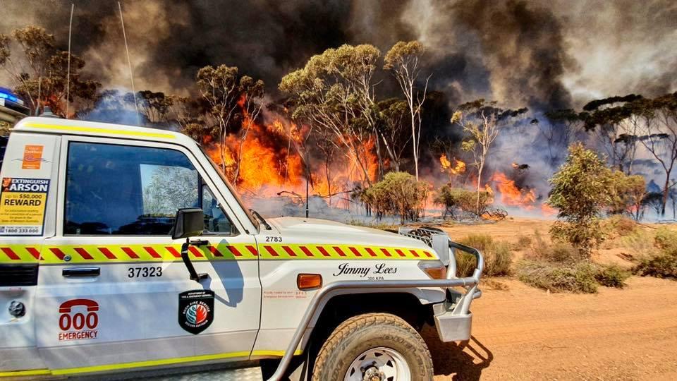 Jandakot Volunteer Bush Fire Brigade responding to fires near Hyden Western Australia February 2020 Photo: D.Patterson/Facebook/Jandakot VBFB