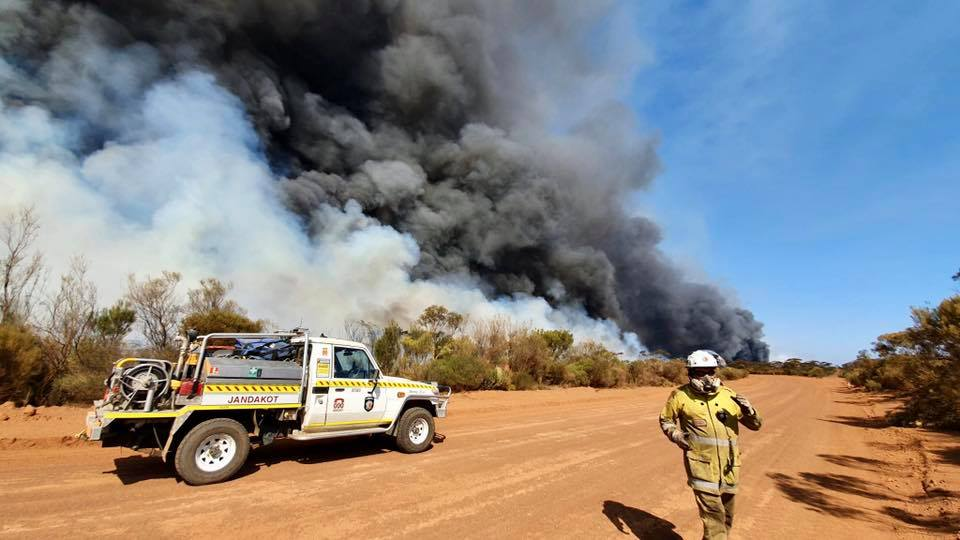 Jandakot Volunteer Bush Fire Brigade responding to fires near Hyden Western Australia February 2020 Photo: D.Patterson/Facebook/Jandakot VBFB