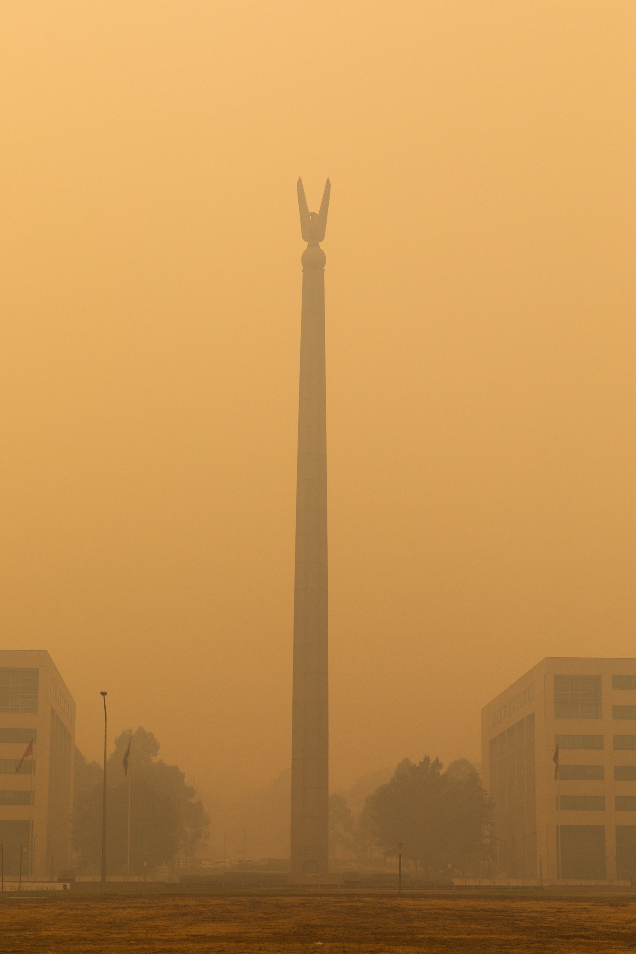 Smoke obscuring the Australian-American Memorial in Russell. Photo: Region Media.