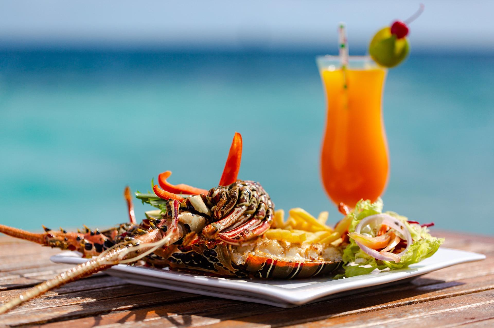 Embudu-Village-Food-Lobster-Dish