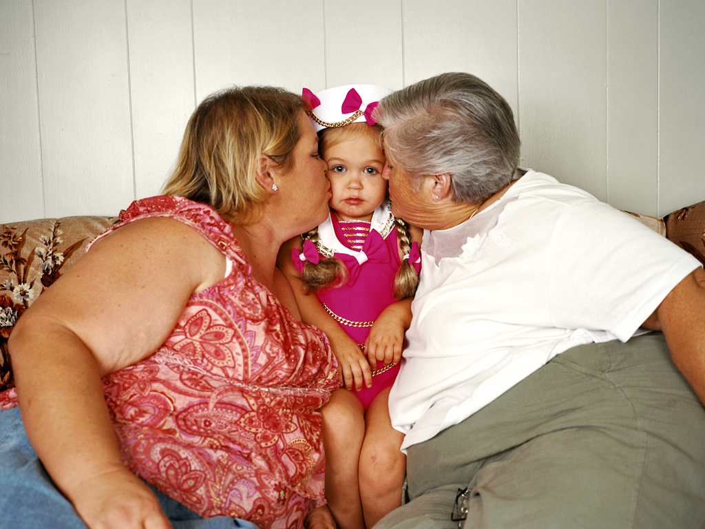 Colby Katz, Rayne-Lin With Her Mother And Grandmother, LA, 2006