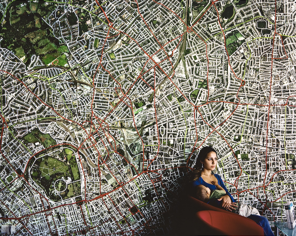 Hannah Starkey, Untitled, 2007