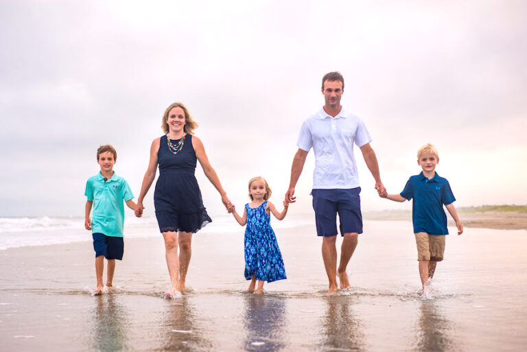 3 things you should never wear for family portraits in Ocean City NJ