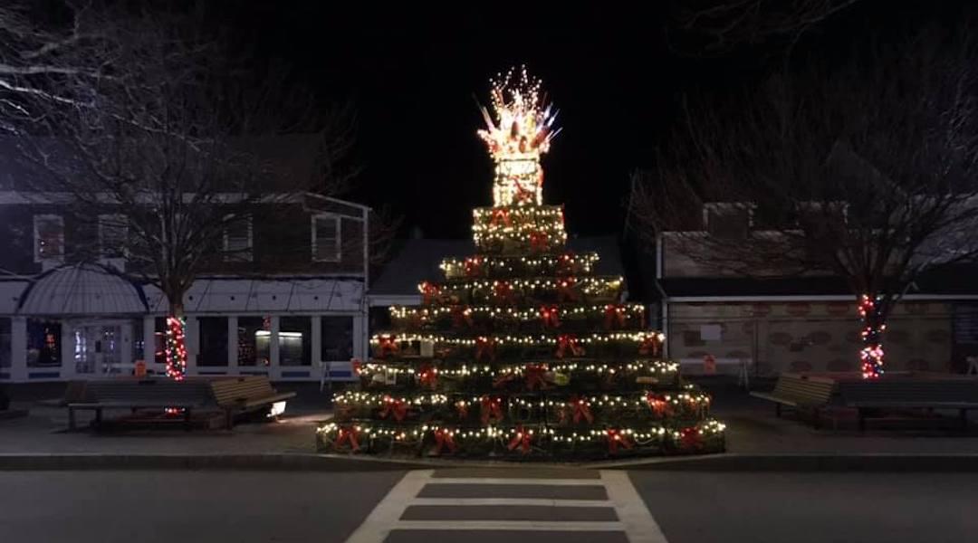 Lobster Pot Tree Lighting Provincetown