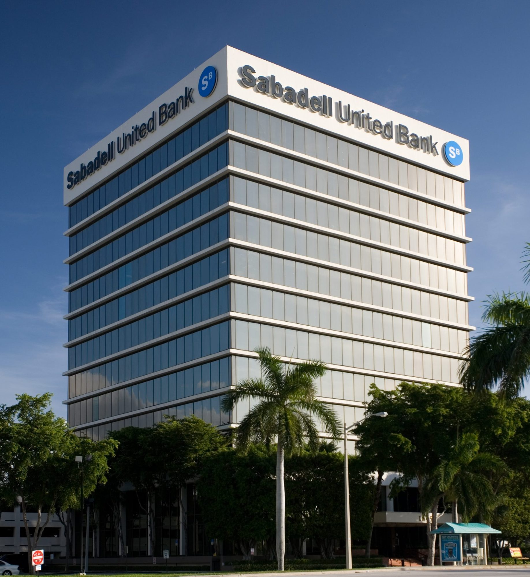 <strong>Sabadell Bank Building</strong><br> West Palm Beach, FL