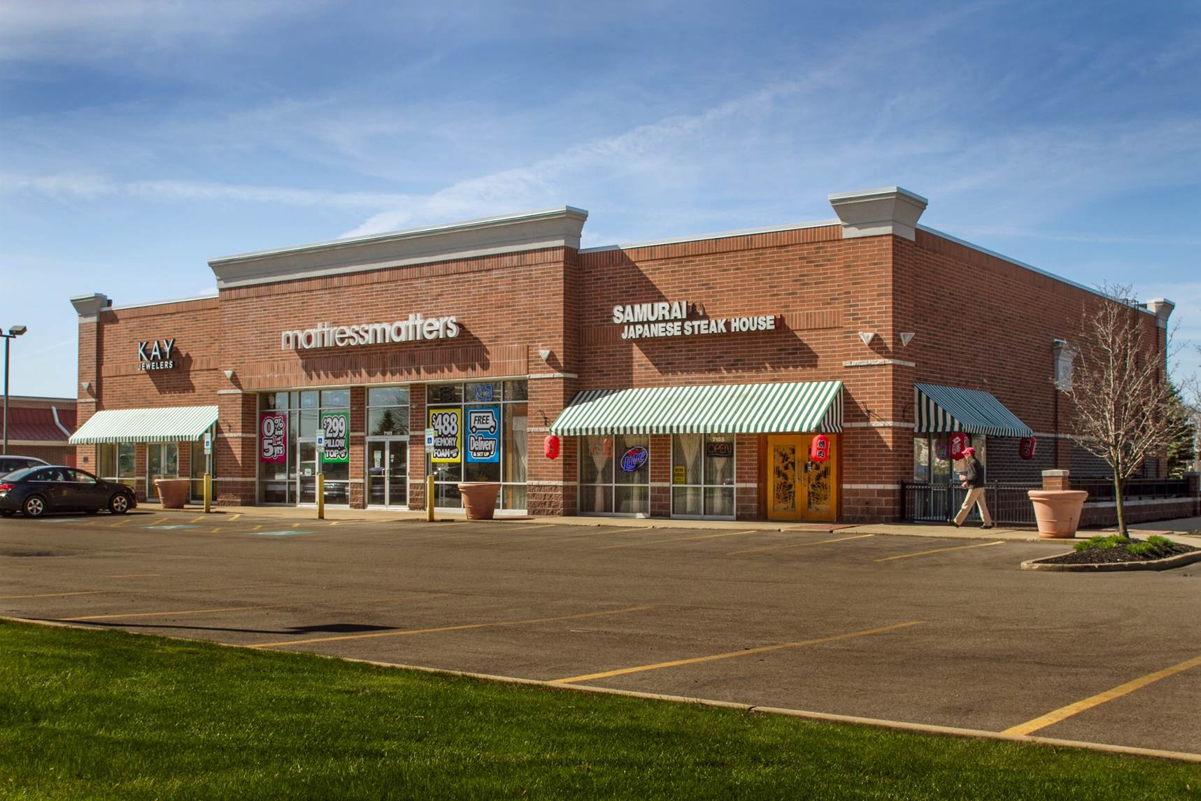 <strong>Marketplace at Four Corners Outparcel</strong><br> Aurora, OH