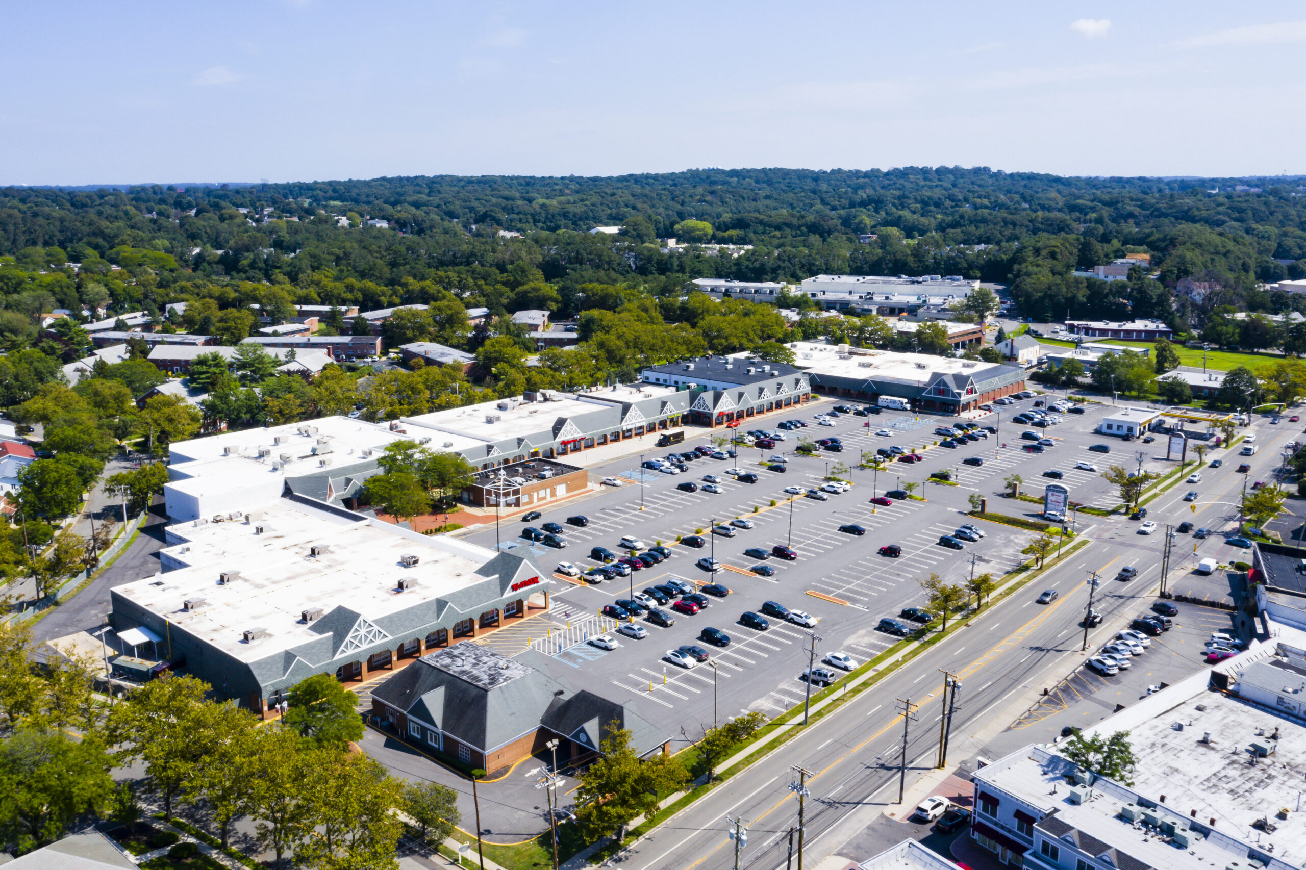 PEBB Enterprises Expands into New York Market with Retail Acquisition