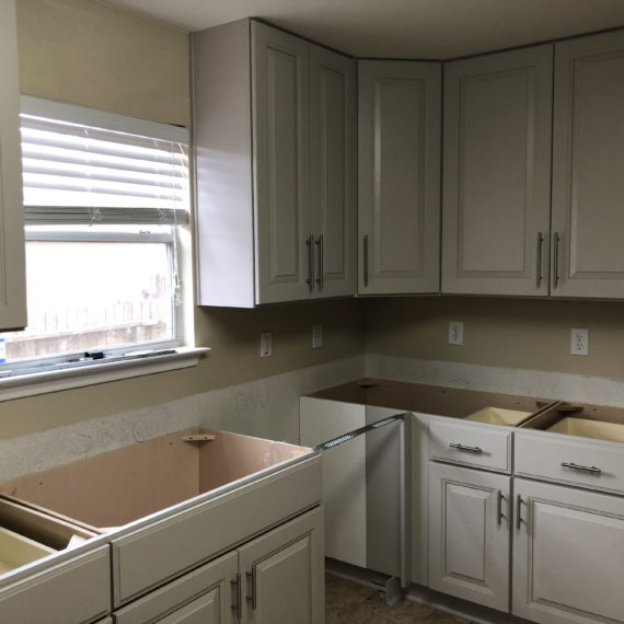 San Antonio Kitchen Remodeling Contractors Kitchen and Bath Boerne Kitchen Cabinets Stone Oak Kitchen Countertops Helotes Remodeling Contractors Alamo Heights cheapest best affordable