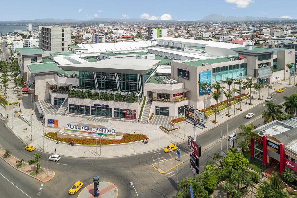 Pacific Hotel Mall aerial Ecuador Design Architects / Architectos
