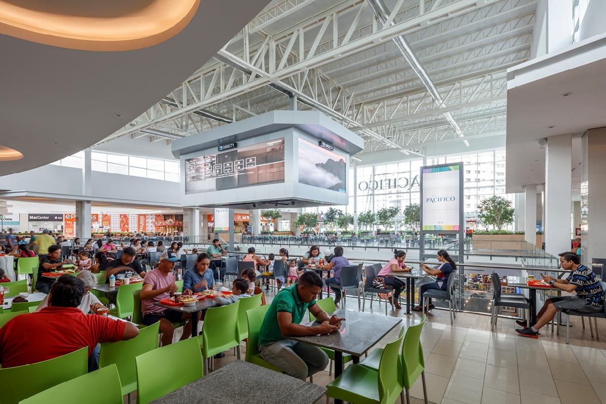 Pacific Hotel Mall food court Ecuador Design Architects / Architectos