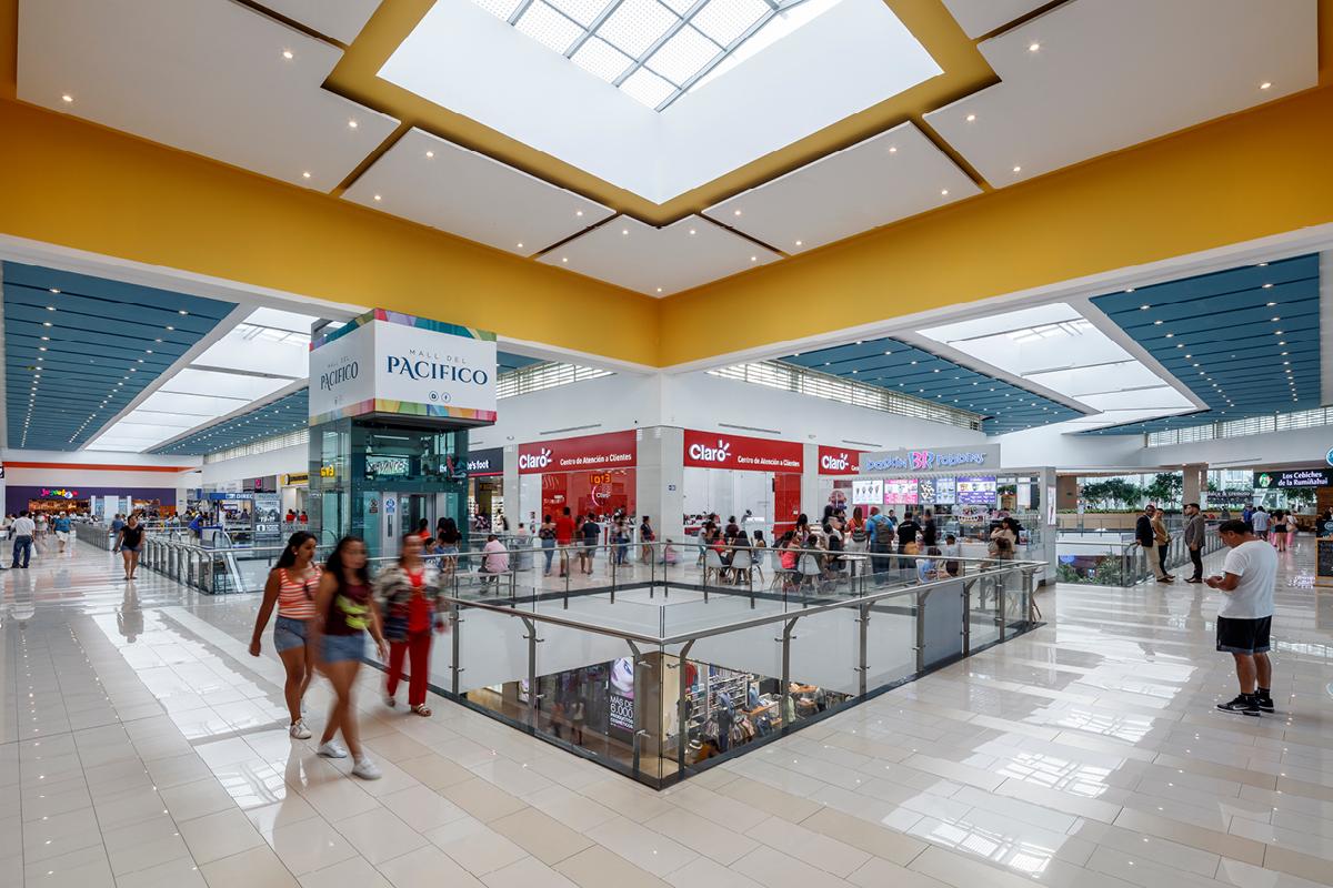 Pacific Hotel Mall interior Ecuador Design Architects / Architectos