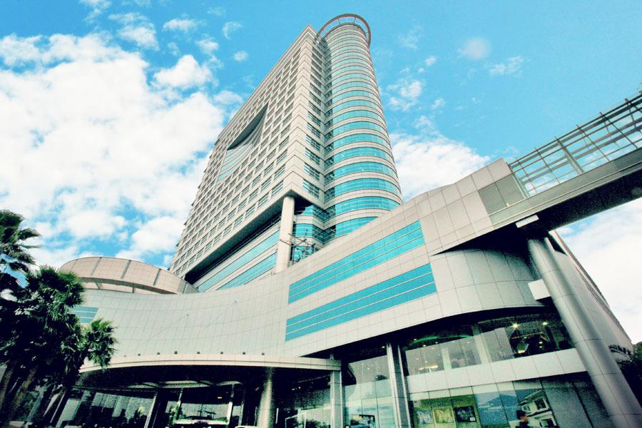 Menara Bank Mega Jakarta Design Architects