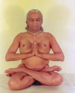 BKS-Iyengar-Padmasanapetit.jpg