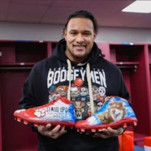 NEW ENGLAND PATRIOT DANNY SHELTON CHOOSES STAND UP FOR PITS HAS HIS CHARITY!!