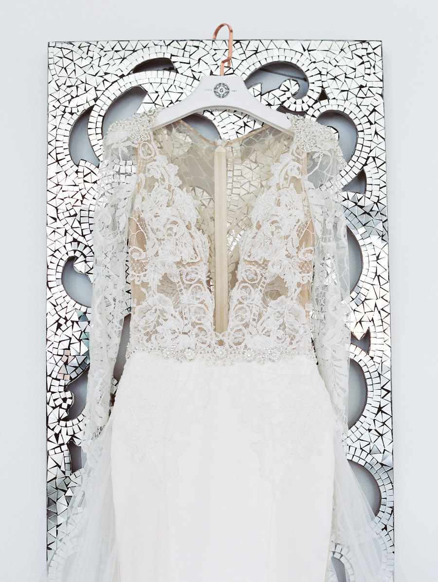 chic-modern-wedding-featured-on-style-me-pretty1