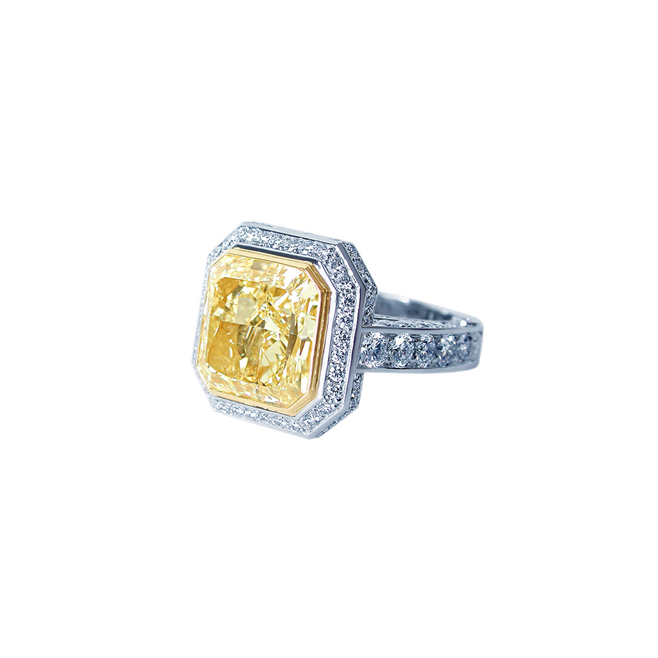 engagement ring shape, Scout Mandolin Florentine Asscher Diamond Ring