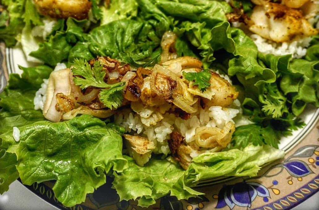 Fish Lettuce Wraps Recipe with Peanuts and Sushi Rice