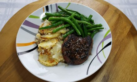 Pan Seared Sirloin Steak with Green Beans