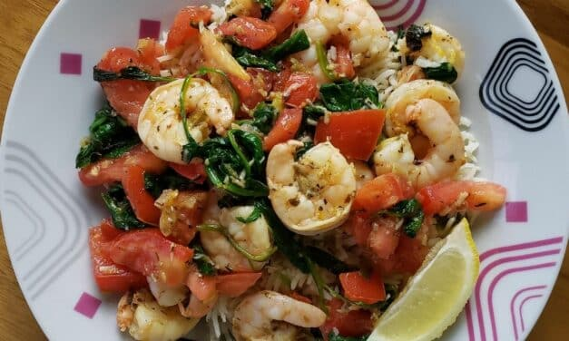 Tasty Mediterranean Shrimp Scampi with Tomato Salsa
