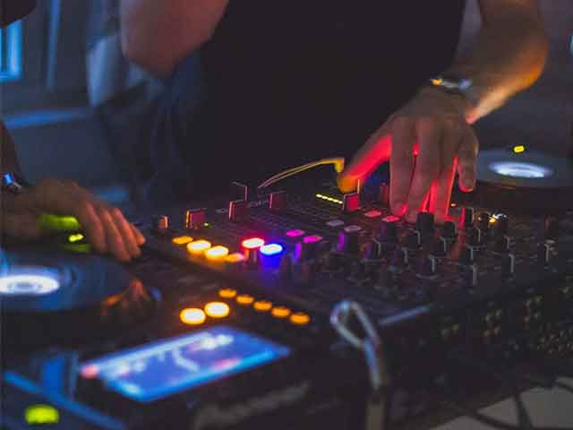 dj service turntables in phoenix arizona