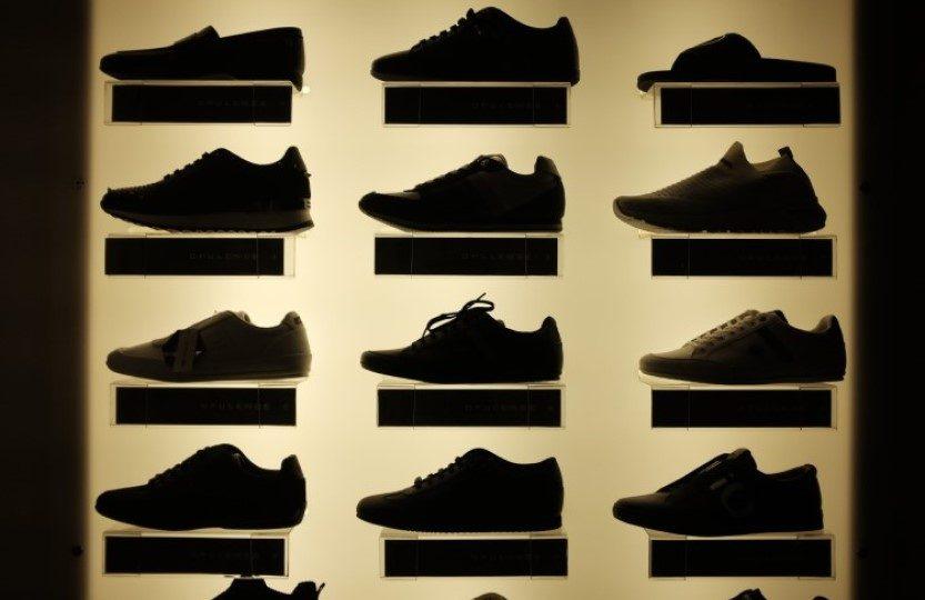 Vitrine de calçados.