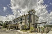 Spring-Hill-Suites-Hilton-Head-Exterior-2-min