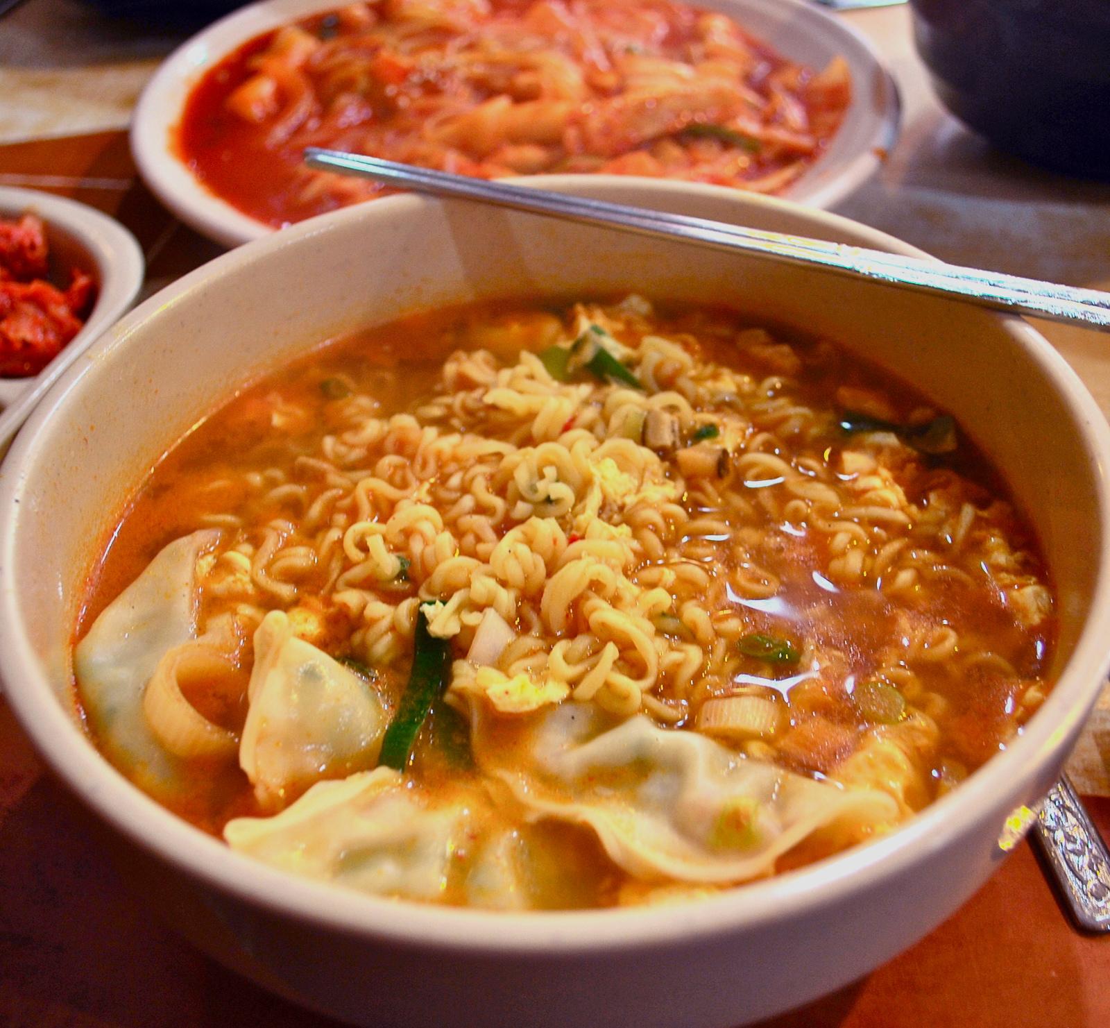 Korean ramen noodles with dumplings