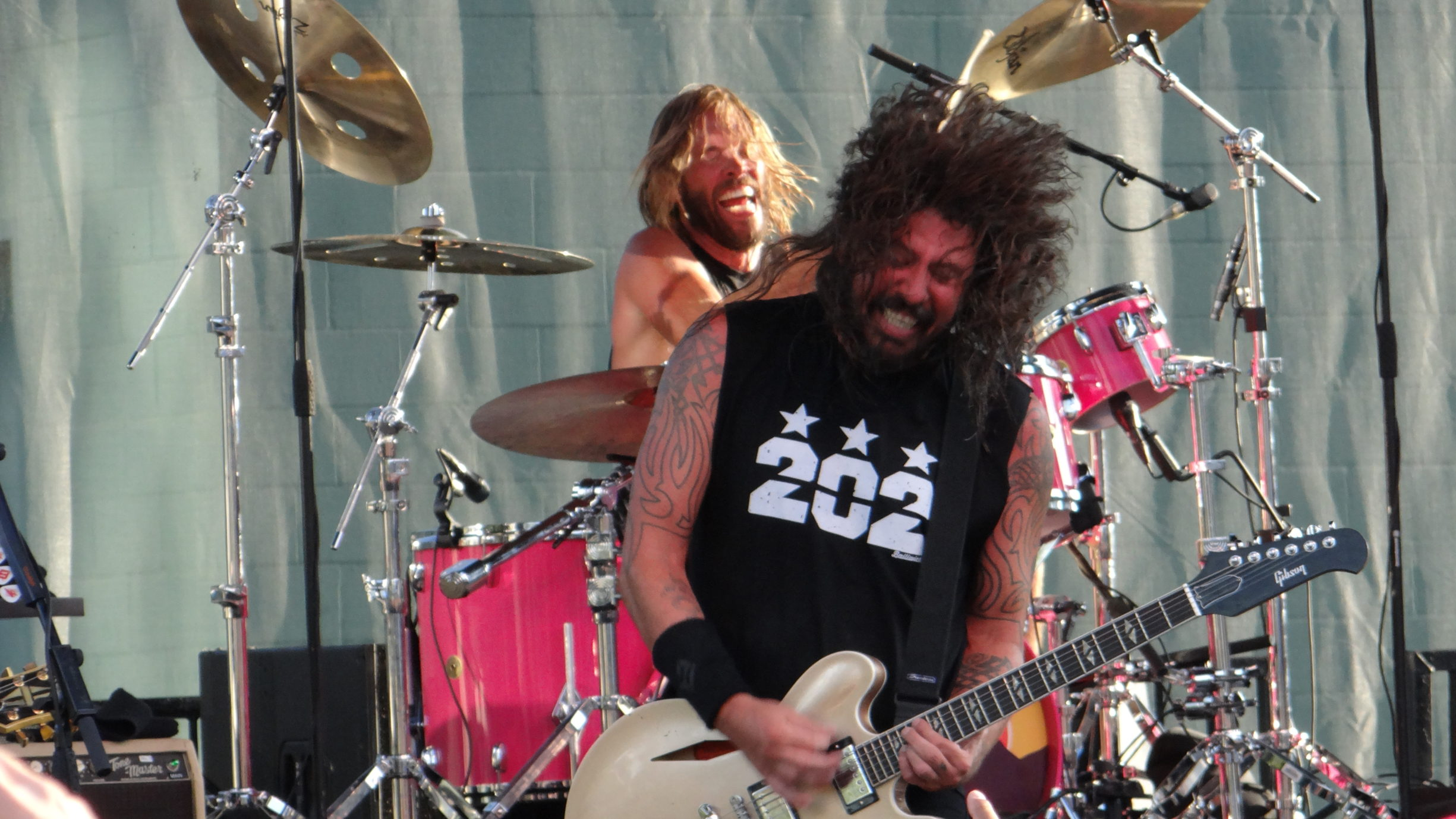 Headbanging with Dave Grohl