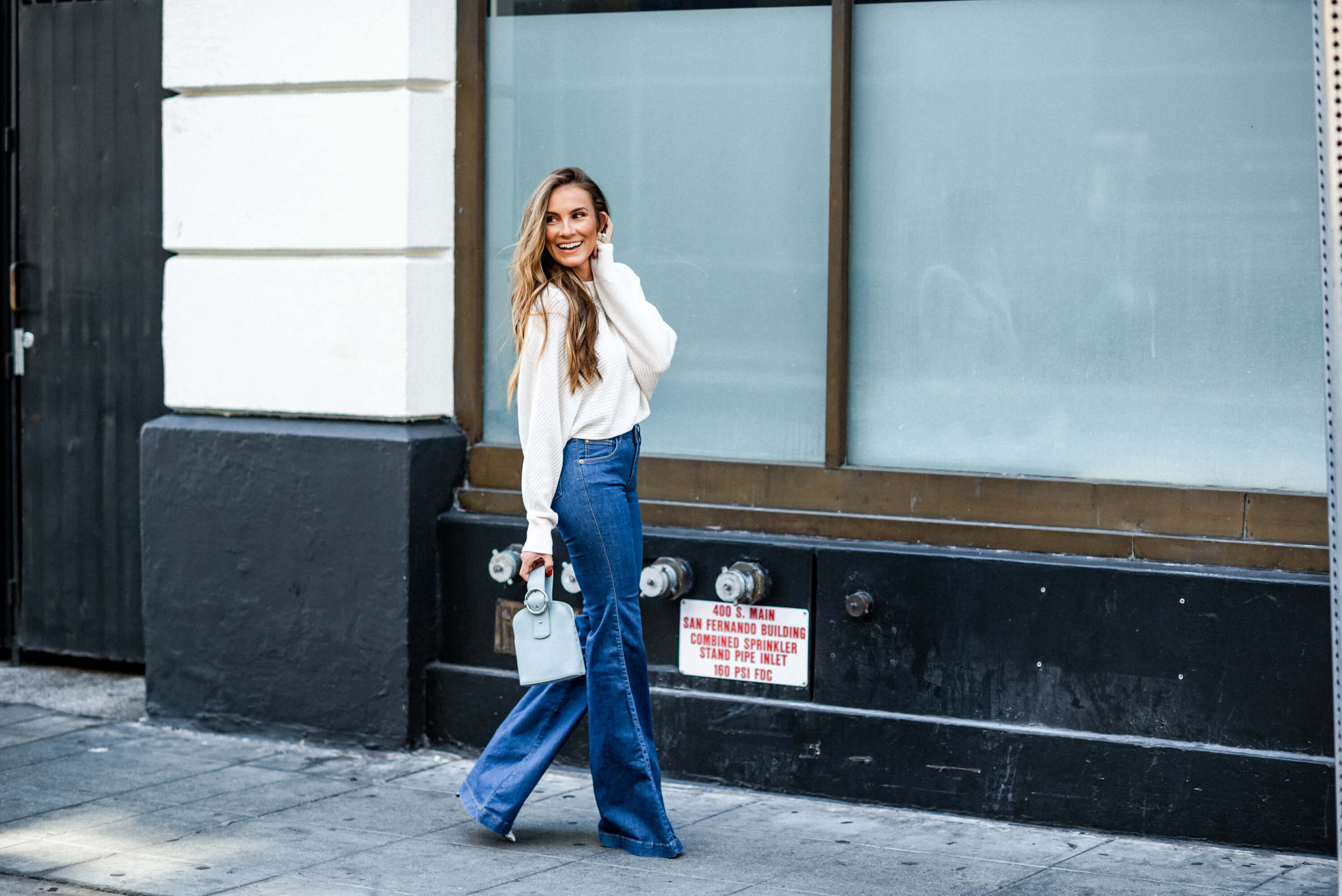 GTT: The (un)Reality of Social Media | Casual Flare Jeans Outfit for Fall