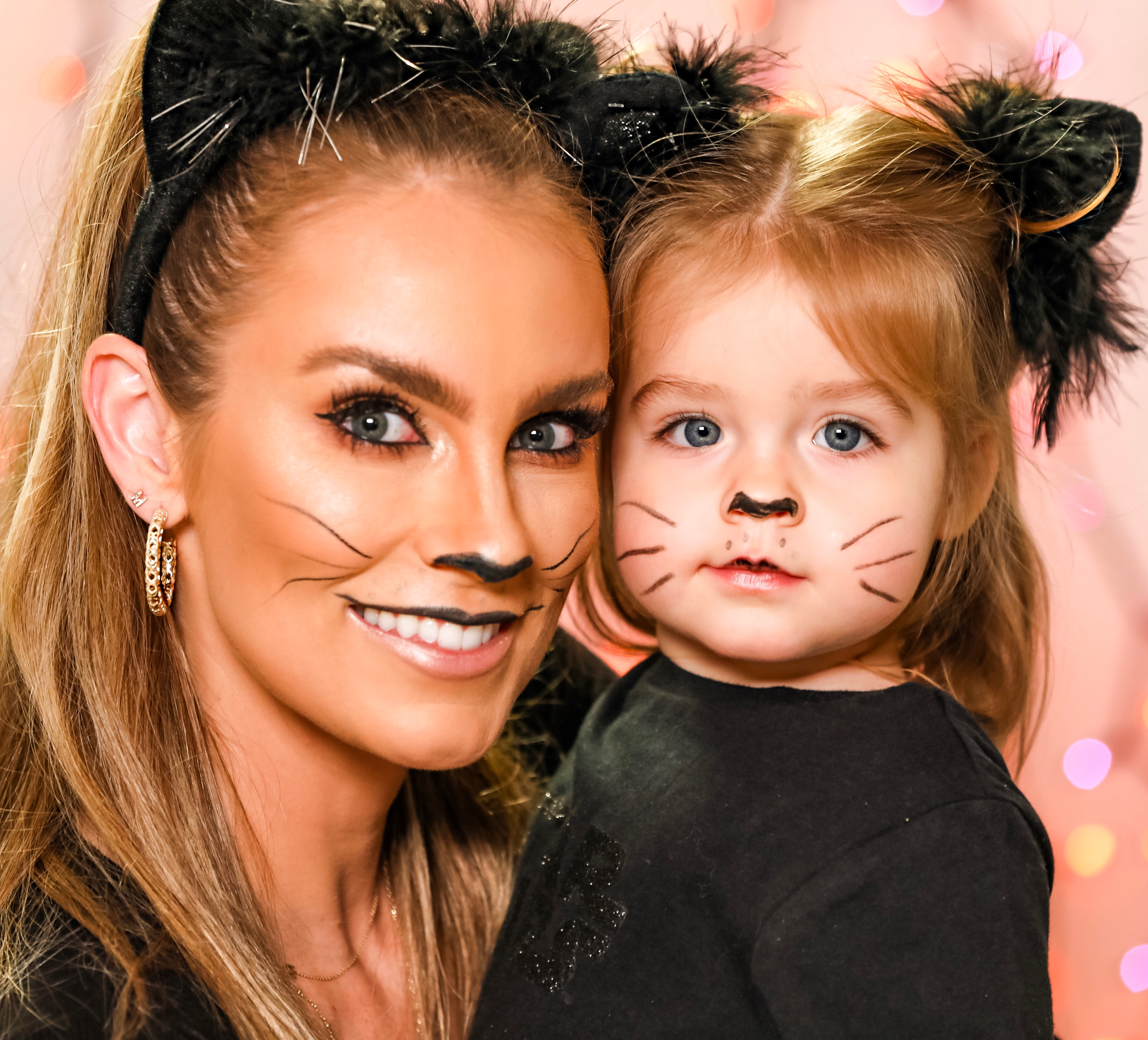Halloween 2019 Angela Lanter Hello Gorgeous Cat Mommy and Me Costume Makeup Tutorial